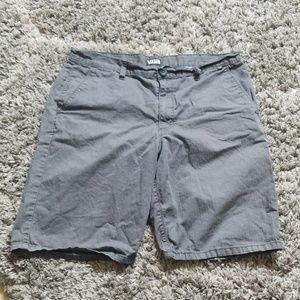 Van's shorts size 34